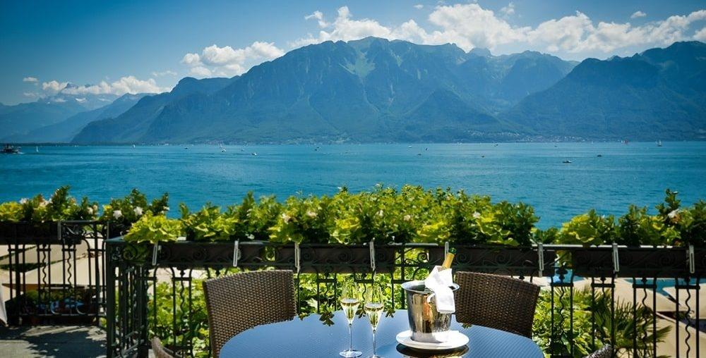 pafh-hotel-trois-couronnes-view-terrasse-1000